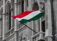 Rossz állapotúak a magyar zászlók