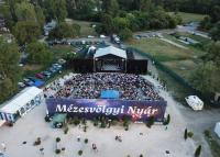 Musicalek és vígjátékok is várják a közönséget a Mézesvölgyi Nyáron