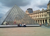 Párizsban hétfőn újranyit a Louvre