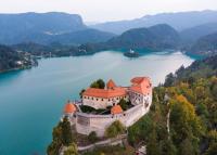 Csütörtöktől korlátozások nélkül utazhatunk Szlovéniába