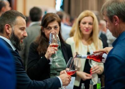 Határon átívelő bortúrára invitálnak Bács-Kiskun borászai