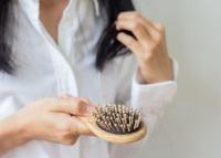 Elvékonyodik és hullik a hajad? Van megoldás!