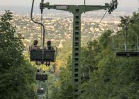Négyszemélyes üléseket kap a Zugligeti Libegő